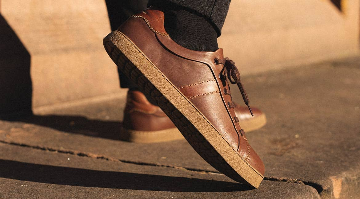 Leading edge and minimalism: The barefoot leather sneaker Monaco GS1